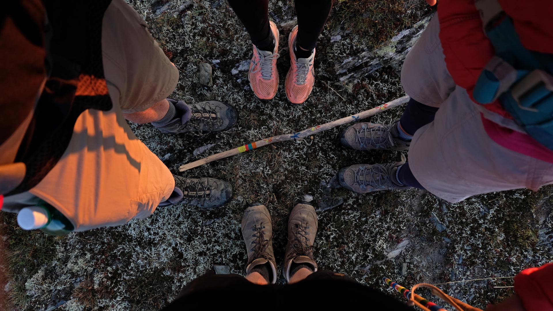 Feet 1920x1080
