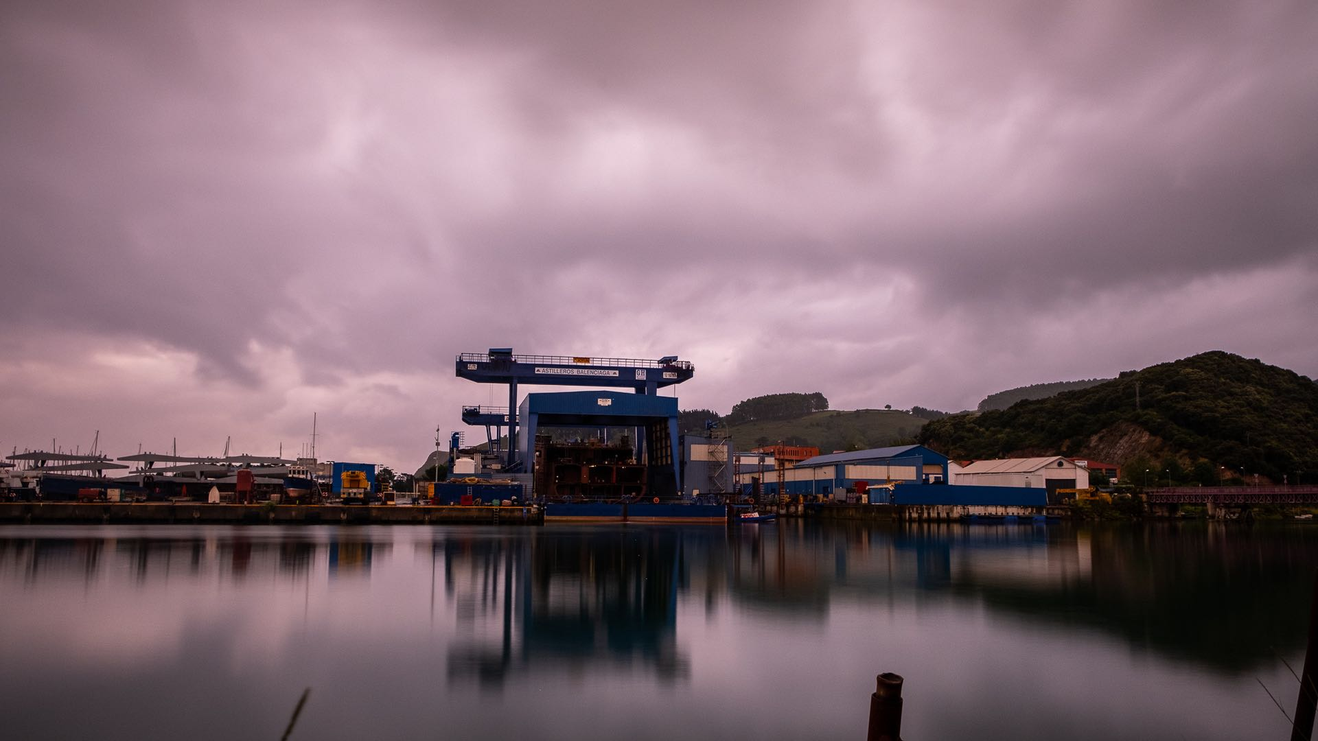 Harbour work 1920×1080
